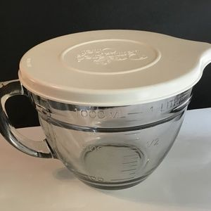Pampered Chef Mixing Bowl